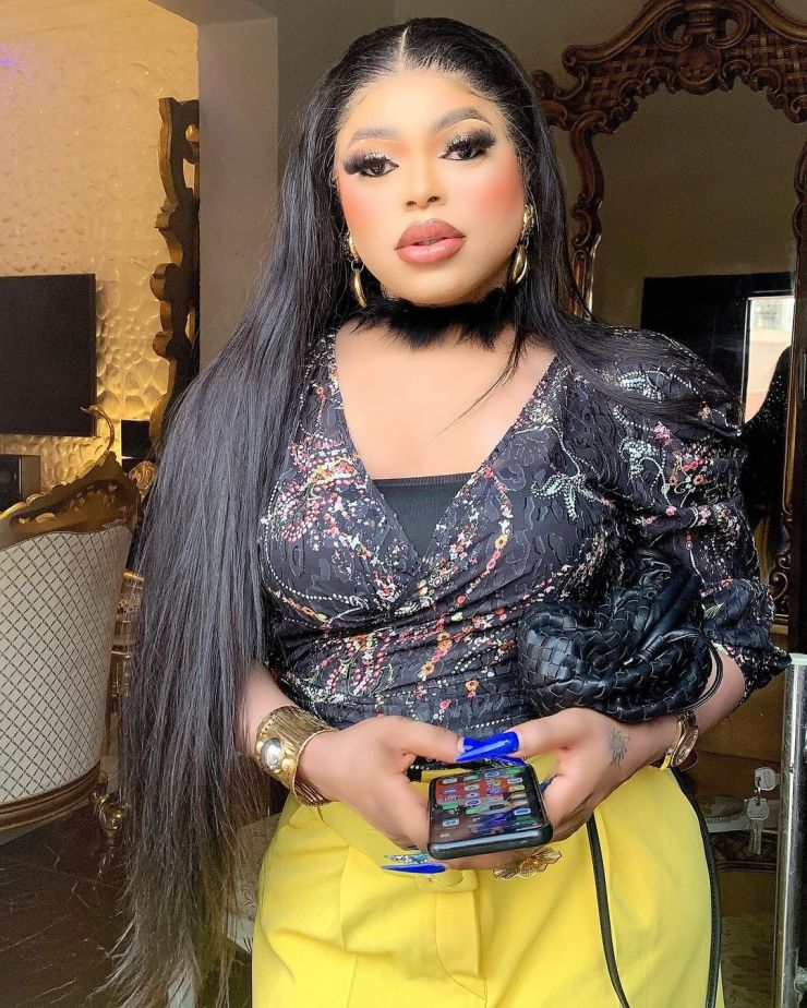 """""""None of you will become famous as long as I am alive"""" - Bobrisky blasts all upcoming cross-dressers"""