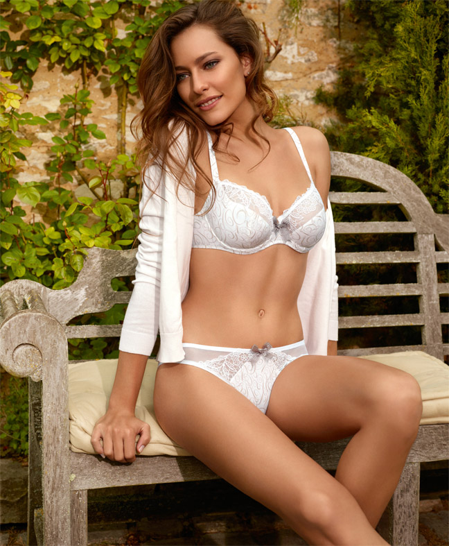 The 7 Exclusive Journal Barbara Collection Lingerie