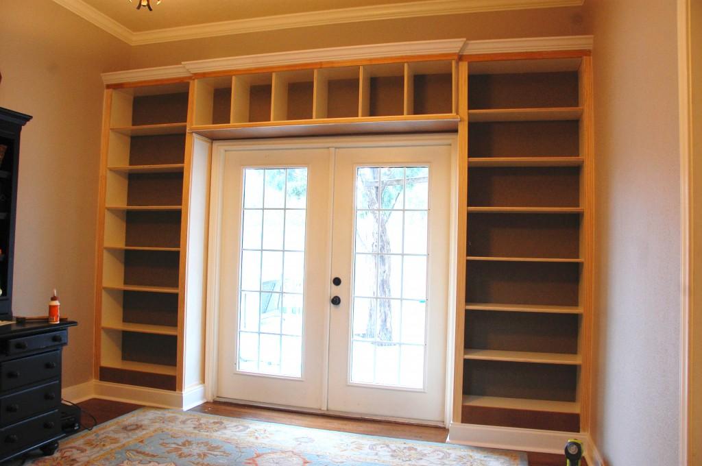 Built Ins Part 4 Trim Caulk And Paint The Accent Piece
