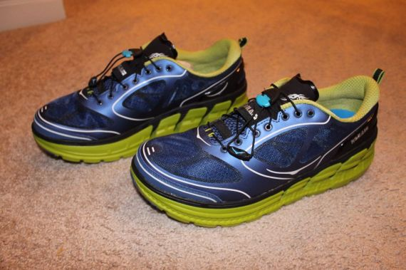 Hoka One One Conquest Main