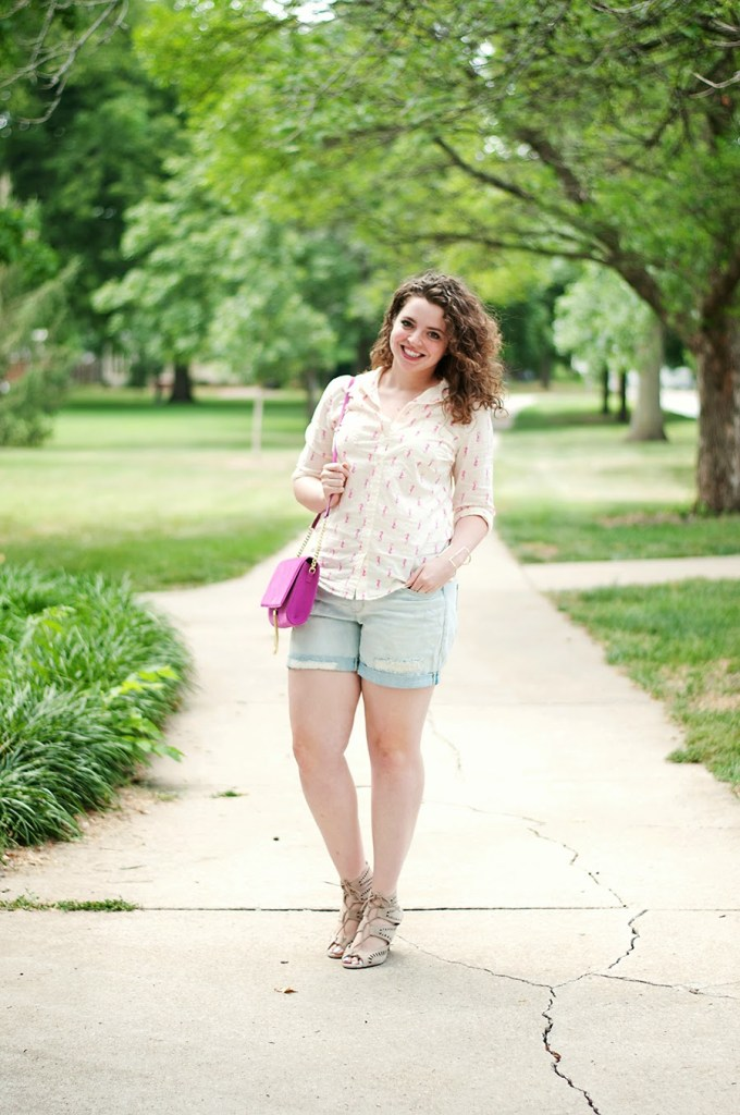 Seahorse casual summer outfit with lace up heels