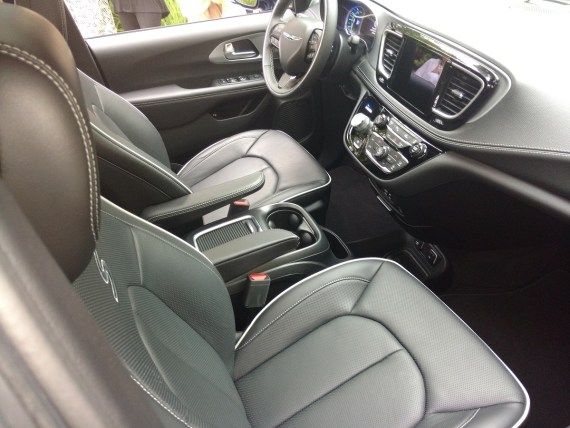 2019_Chrysler_Pacifica_S_Trim_Interior