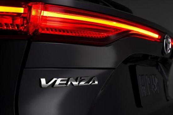 2021_Toyota_Venza