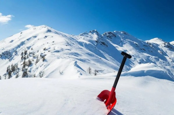 perfect avalanche shovel to have