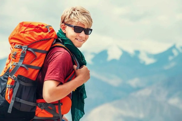 ideal hiking sunglasses for hikers