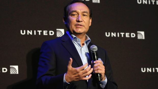 United Airlines chief executive Oscar Munoz made a meal of his apology.