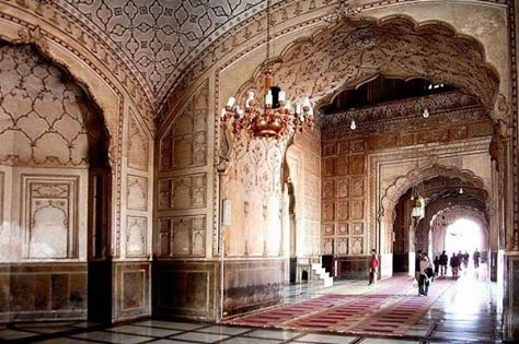 Badshahi Masjid 2