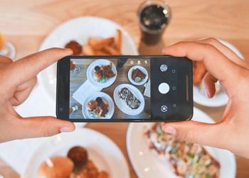 ทิปและเทคนิค ถ่ายภาพอาหาร โพสต์บนโซเชียลให้สวยด้วยสมาร์ทโฟน