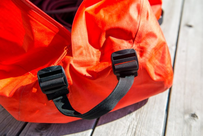 Arcteryx_Carrier_Duffle_review_004