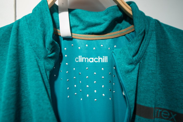 Adidas-Outdoor-Climachill-Agravic-Zip-Tee-001