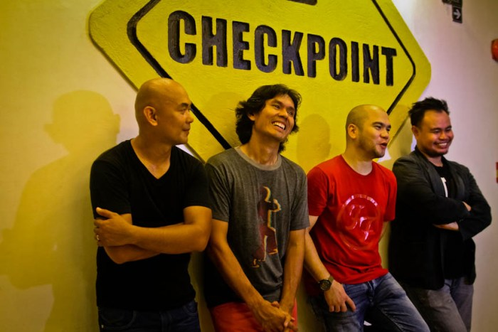 L to R: Drummer John Collao, guitarist Reg Gutierrez, vocalist Cy Sorongon, and bassist Frame Ong of Lovecore at Checkpoint Rock Bar in Parañaque City. Photo by: Kimmy Baraoidan.