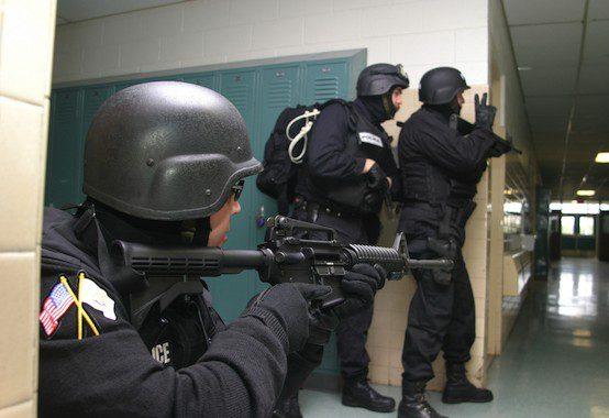 Police terrorism drill. Larry St. Pierre / Shutterstock.com