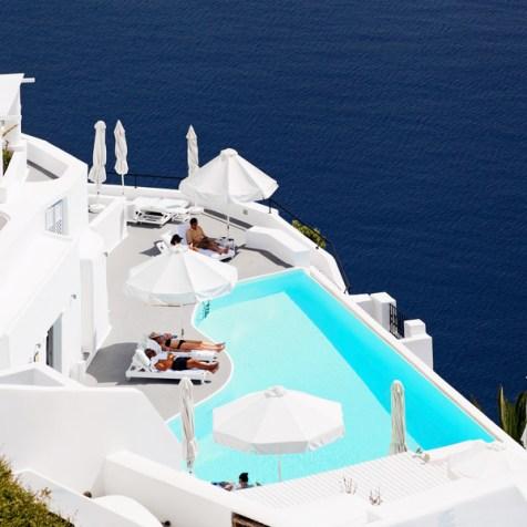 Infinity-Pool-Katikies-Hotel.jpg