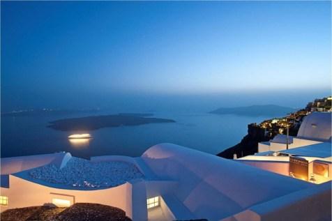 Katikies-Hotels-in-Oia-40-800x533.jpg