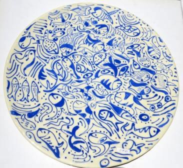 צלחת מקרמיקה עם ציורי דגים כחול לבן - מתנה מיוחדת לראש השנה 2013 | איריס עשת כהן