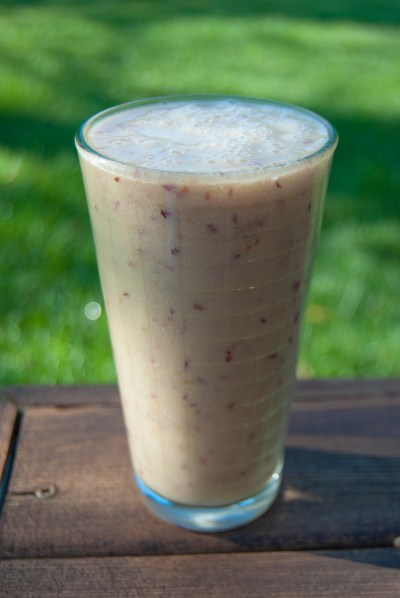 What I eat in a day - fruit smoothie - the art of pure living