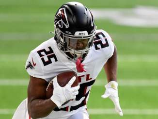 Falcons Fans React to Team Releasing RB Ito Smith