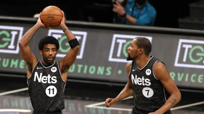 Kyrie Irving In Awe of Kevin Durant as Nets Blowout Suns