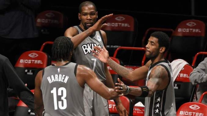 Nets' Kevin Durant Leaves Heat Game With Leg Injury