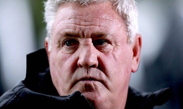 Newcastle chief Mike Ashley wants to stick with Steve Bruce as manager