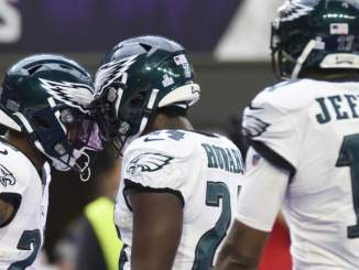 Pro Bowl RB Describes 'Disposable' Return to Eagles Backfield