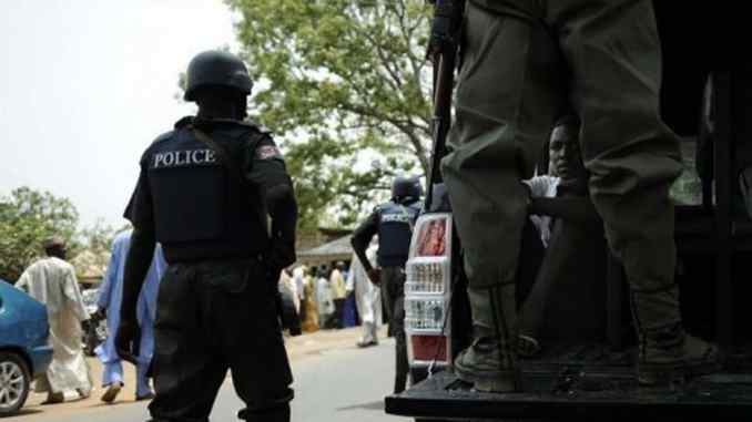 Nigeria Police arrest 10 traffic robbers in Lagos