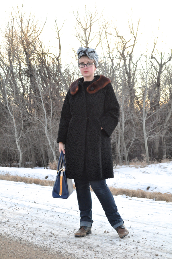 the artyologist- image of vintage astra fur coat, skinny jeans and turban