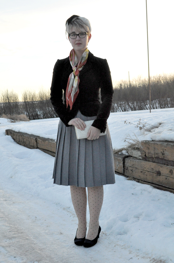 the artyologist - image of vintage 1940's style outfit with wool grey skirt, what katie did polka dot tights and feathered hat