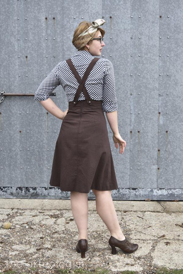 the artyologist image of back view of 1939 vintage suspender skirt
