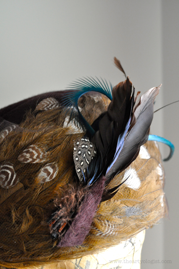 the artyologist image of vintage 1960's feathered hat detail