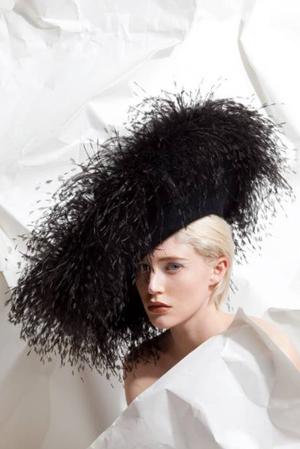 philip-treacy-feathered-hat
