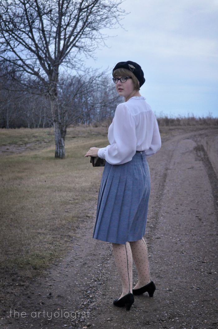 walking-away, vintage wool skirt, the artyologist