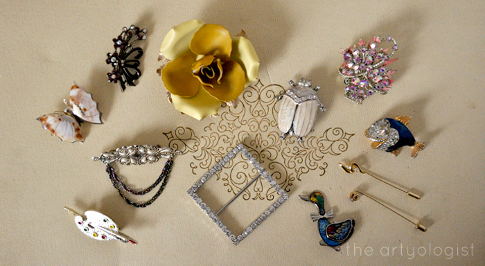 Style Resolutions: Jewellery Organizing, the artyologist, brooches
