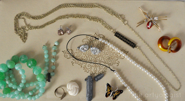 Style Resolutions: Jewellery Organizing, the artyologist, pieces to fix