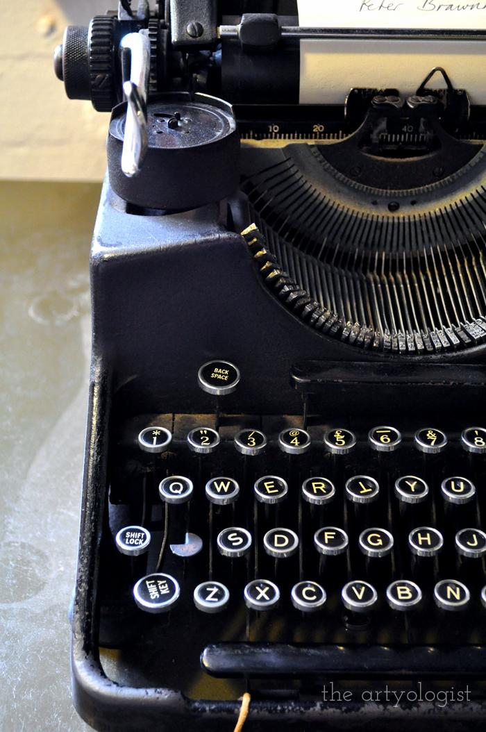 Favourite Internet Finds, Vol. II, the artyologist, typewriter