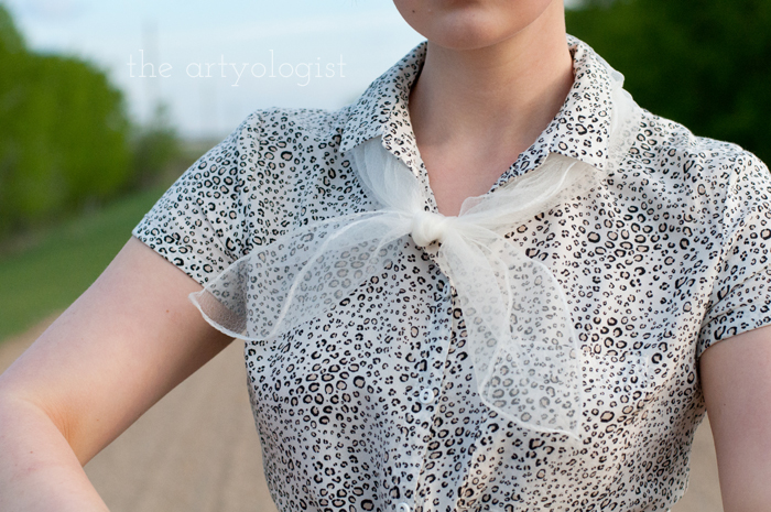 Rural Holiday, the artyologist, a roman holiday outfit, scarf detail 2