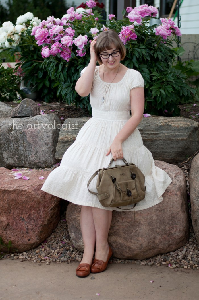 peasant style dress, sitting-with-purse, the artyologist
