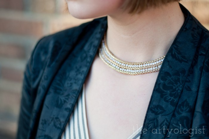 gold and sparkly necklace, the artyologist