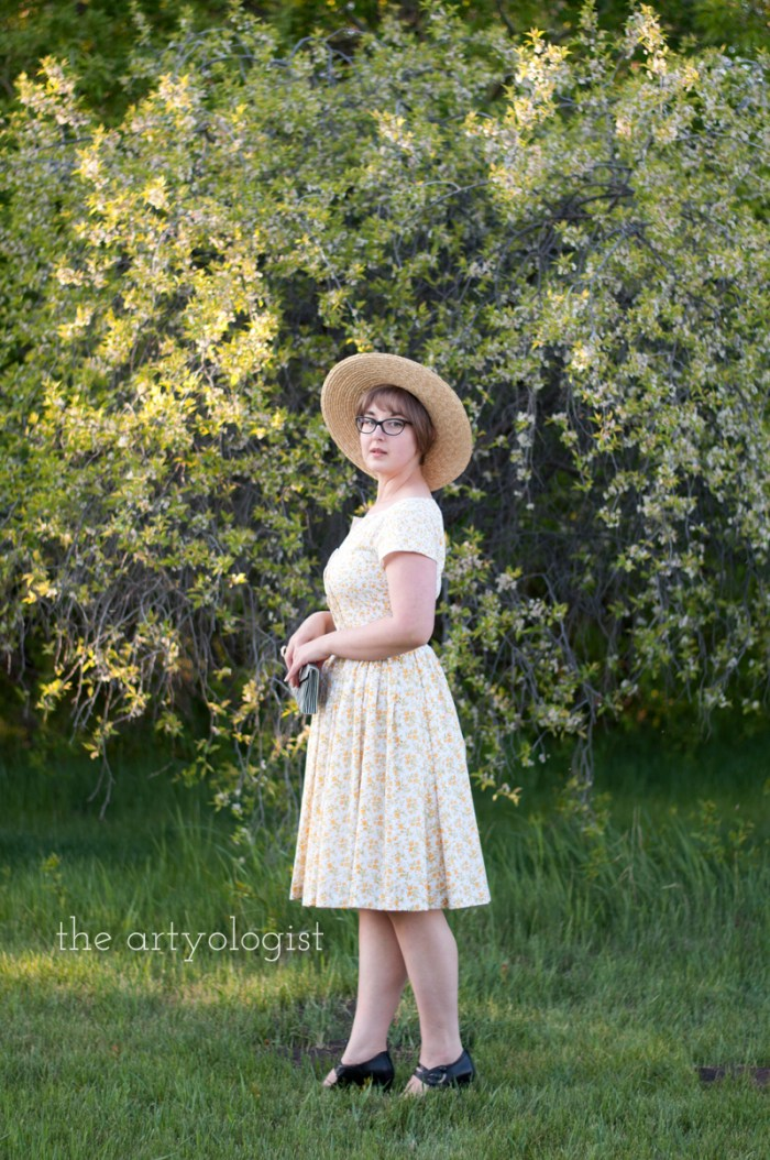 vintage styled vogue 1044 summer dress and straw hat