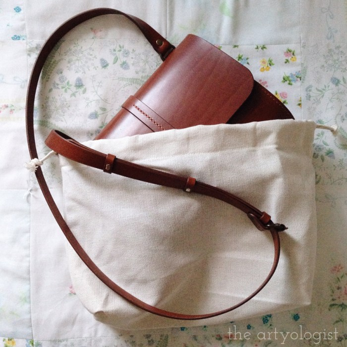 vintage style leather purse