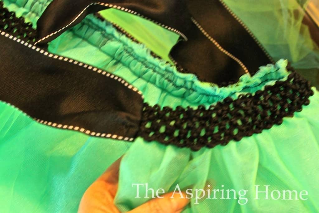 5 easy steps to making a tutu- www.theaspiringhome.com