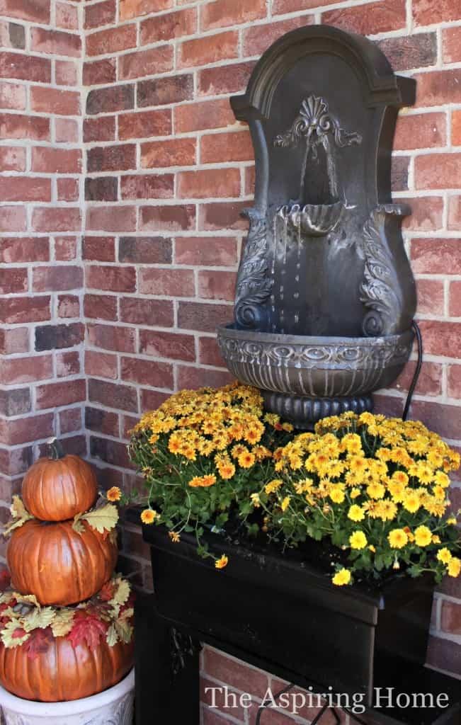 Fall Porch Makeover www.theaspiringhome.com