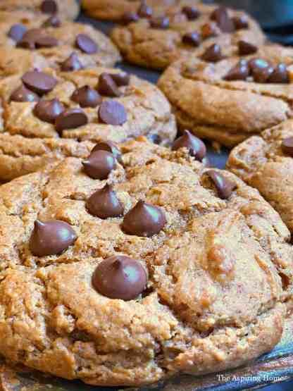 Easy pumpkin cashew muffins closeup