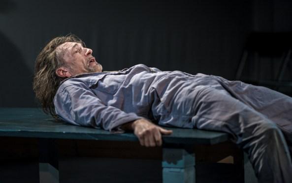 Felix Kubitza_das schloss_theaterarche_web25