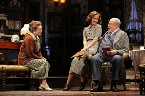 "Kristine Nielsen, Rose Byrne and James Earl Jones in a scene from ""You Can't Take It with You"" (Photo credit: Joan Marcus)"