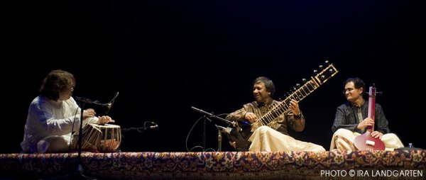 Hindole Majumdar, Ustad Shahid Pavez Khan and Nouman Kahn in concert (Photo credit: Ira Langarten)