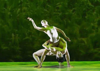 "Huang Pei-hua and Tsai Ming-yuan in a scene from Cloud Gate Dance Theatre of Taiwan's ""Rice"" (Photo credit: Jack Vartoogian)"