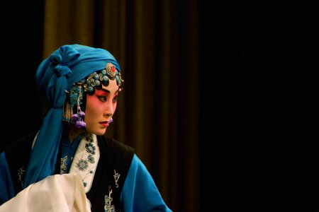 "Zhang Huoding in a scene from the opera ""The Jewelry Purse"" (Photo credit: Courtesy of China Arts and Entertainment Group)"