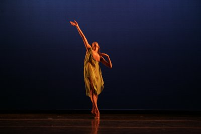 "Kristen Foote in José Limón's ""Dances for Isadora"" (Photo credit: Beatriz Schiller)"