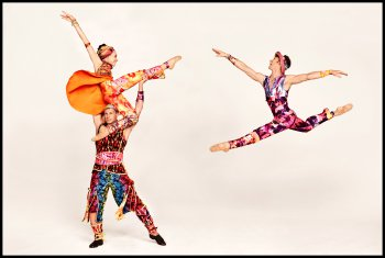 """Amy Ruggiero, John Selya and Ron Todorowksi in a scene """"Yowzie"""" with costumes by Santo Loquasto from Twyla Tharp 50th Anniversary (Photo credit: Ruven Afanador)"""